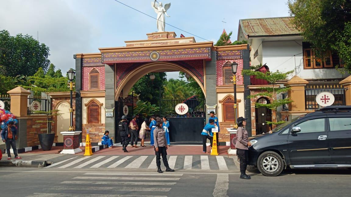 Pengamanan Hari Ke Ii Perayaan Misa Hari Natal Di Gereja Khatolik Paroki Hati Tak Bernoda Santa Perawan Maria Makale Polres Tana Toraja