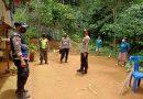 Kapolres Tana Toraja Mengunjungi Warga Yang Terkonfirmasi Positif Virus Corona