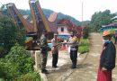 Bhabinkamtibmas Polsek Sangalla dengan Babinsa himbauan masyarakat di acara rambu tuk